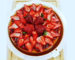 Large Niaddi Flan Topped With Strawberries Portfolio
